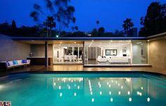 bruno-mars-buys-bonkers-modern-hollywood14