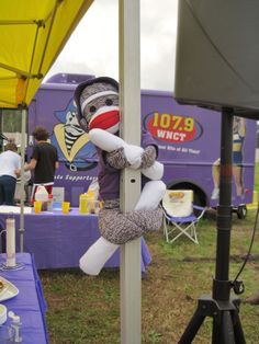 Fun at the 107.9 FM competition tent