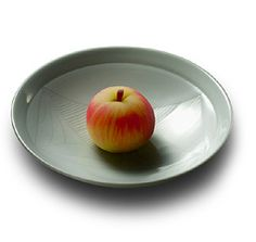Ringo gata (Apple shaped) - Apple was propably brought to Japan from China.Looking like a ripe apple, this wagashi make us anticipate the fresh sourness of those adorable fruits.[personnal translation]
