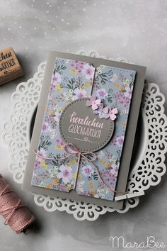 Geburtstagskarte in pink & blumig und frisch! Birthday card in pink & flowery and fresh! The post Birthday card in pink & flowery and fresh! # birthday card & appeared first on Embroidery and Stitching. Paper Cards, Diy Paper, Diy Cards, Ideas Scrapbook, Scrapbook Cards, Pink Birthday, Birthday Cards, Karten Diy, Pattern Paper