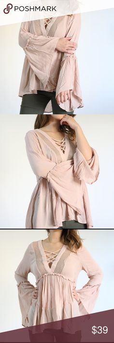 🎉NEW🎉💗 Chiffon feminine top with fun sleeves 💗 💗 Chiffon feminine top with fun sleeves 💗 Fun top with super comfy materials, cute details in the front and fun sleeves. Great style with jeans and shorts with boots. Feminine style yet playful 😉 Tops Tunics