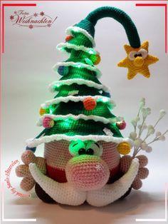 Häkelanleitung Weihnachtsknuffel, Amigurumi - weihnachten - Leads For Amigurumi Crochet Christmas Ornaments, Christmas Crochet Patterns, Holiday Crochet, Crochet Toys Patterns, Christmas Knitting, Stuffed Toys Patterns, Crochet Dolls, Christmas Crafts, Knitting Patterns