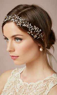 ideas wedding hairstyles with veil hair down head pieces bridal headbands for 2019 Wedding Hairstyles For Medium Hair, Veil Hairstyles, Halo Hairstyle, Hairstyle Short, Simple Hairstyles, Hairstyles 2018, Headpiece Wedding, Bridal Headpieces, Hair Wedding