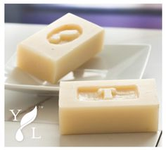 Make personalized gifts out of Young Living bar soaps with this fun DIY!