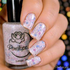 Esmalte Penélope Luz Innocence Coleção Delirium. Pink. Glitter. Nails. Nail art. Glamour. Rosa.