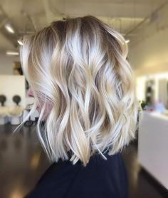 Share Tweet Pin Mail This wavy bob with bangs. credit This layered curly bob. credit This pastel lavender wavy bob. credit These big waves. credit ...