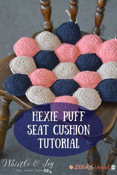 Crochet seat cushion tutorial by Whistle and Ivy! for more findings pls visit www.pinterest.com/escherpescarves/