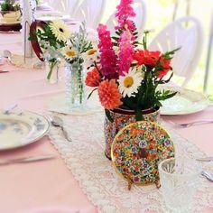 Flower-filled vintage tins are gorgeous on Anna & Anthony's wedding tables! Vintage Tins, Vintage Table, Vintage Metal, Steel Sheet, Flower Farm, Vintage Greeting Cards, Metal Tins, Vibrant Colors, Southern