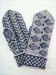 Ravelry: Fiskevantar pattern by Eva-Lotta Staffas Double Knitting Patterns, Knitted Mittens Pattern, Knit Mittens, Knitting Charts, Knitted Gloves, Knitting Socks, Baby Knitting, Knit Dishcloth, Fingerless Mittens