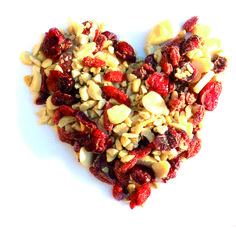 ENERGY MIX BIO FORLIVE è una miscela di semi, bacche e frutta di alta qualità che fornisce energia subito disponibile, ideale per chi pratica un'attività sportiva. Energy mix Bio salvaguarda la salute del cuore, protegge la pelle, rinforza i capelli, le unghie.   CONSIGLI D'USO: un cucchiaio (30g al giorno) di Energy mix Bio Forlive nello yogurt , nel gelato, o consumato tale e quale come snack.