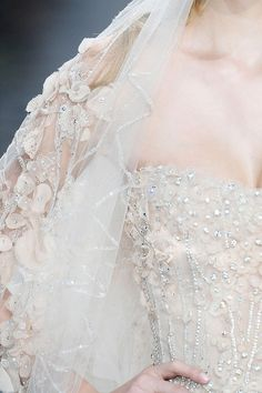Elie Saab Spring 2010 Couture Fashion Show Elie Saab Couture, Fashion Moda, Fashion Show, Bridal Gowns, Wedding Gowns, Tulle Wedding, Gold Wedding, Elie Saab Printemps, Blush Rosa