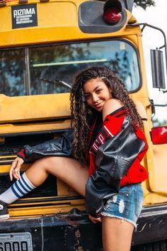 Com 17 anos,Any Gabrielly foi para Los Angeles a procura de uma vida … # Fanfic # amreading # books # wattpad Selfies, My Princess, Best Part Of Me, Foto E Video, The Unit, Singer, People, Wattpad, Spice Girls