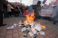 Anti-Ukrainian book burning in Crimea in 2010