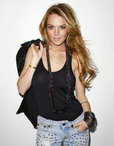 Terry Richardson photographs Lindsay Lohan for a Harper's Bazaar fashion shoot. Lindsay Lohan Hair, Lindsay Lohan Style, Rocker Girl, The Perfect Girl, Terry Richardson, Diamond Bangle, Tips Belleza, Fashion Shoot, Style Icons