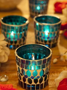Place Candles In A Glass - Easy and quick Diwali decoration, put tea light candles in small and decorative glass and put them on display Diwali Decorations, Festival Decorations, Light Decorations, Diwali Candles, Diwali Lights, Diwali Diy, Diwali Rangoli, Tea Light Candles, Tea Lights