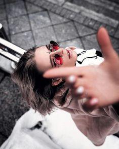 Moody Portrait Photography by Alexander Kurnosov - Fotoshooting Ideen - Model Poses Photography, Creative Portrait Photography, Photography For Beginners, Photography Women, Light Photography, Amazing Photography, Digital Photography, Photography Training, Photography Hacks