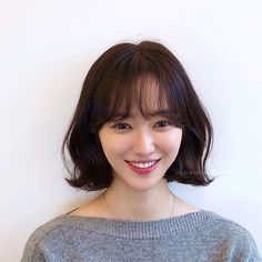 러플펌 Short Permed Hair, Asian Short Hair, Girl Short Hair, Short Hairstyles For Women, Hair Inspo, Hair Inspiration, Medium Hair Styles, Curly Hair Styles, Hot Haircuts