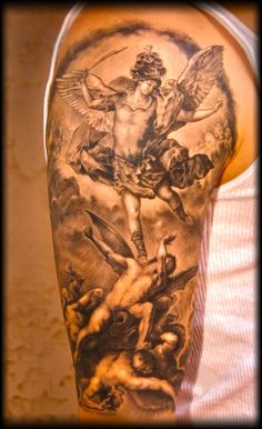 Angelic tattoos are always interesting. Interestingly, among the archangel tattoos, St Michael Tattoo design is one of the extremely popular one. Great Tattoos, Beautiful Tattoos, Body Art Tattoos, Sleeve Tattoos, Tatoos, Arm Tattoos, Statue Tattoo, St. Michael Tattoo, Archangel Tattoo