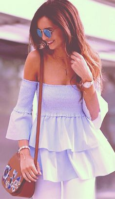 off the shoulder poplin top Off The Shoulder Top Outfit, Chic Outfits, Summer Outfits, Looks Style, Blouse Styles, Beautiful Outfits, Cute Dresses, Blouses For Women, Fashion Dresses