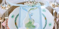 This Easter Brunch Traded Cliché Rabbits For Sophisticated Hares - ELLEDecor.com