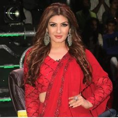 Shilpa Shetty and Raveena Tandon Re - live their good old friendship on the sets of Superdancer Chapter 3 - HungryBoo Old Film Stars, Old Friendships, Shilpa Shetty, Chapter 3, Good Old, Sari, Actresses, Live, Fashion