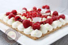 Surprises et gourmandises - Tarte cheesecake à la noix de coco et aux framboises