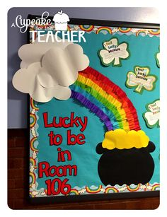 A Cupcake for the Teacher: March Bulletin Board {Tutorial} and Sprint Prints! Spring Bulletin Boards, Preschool Bulletin Boards, Classroom Board, Classroom Bulletin Boards, Classroom Fun, March Bulletin Board Ideas, Birthday Bulletin Boards, St Patricks Day Crafts For Kids, St Patrick's Day Crafts