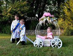 The Large Angel Carriage Princess Carriage, Cinderella Carriage, Princess Photo, Princess Theme, Wagon For Wedding, Wedding Wagons, Princess Birthday Party Decorations, Wedding Decorations, Party Props