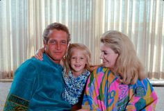 Paul Newman with daughter Clea and wife Joanne Woodward, (LIFE Magazine) Hollywood Couples, Celebrity Couples, Hollywood Stars, Old Hollywood, Celebrity Children, Hollywood Icons, Celebrity Babies, Hollywood Glamour, Celebrity Pictures