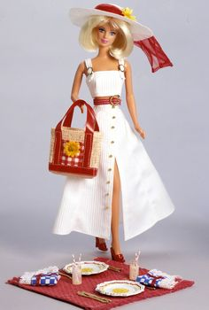 ADD ON Barbie Look Party Perfect Doll White Picture Frame Model Muse Accessory