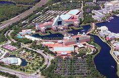 Michael Graves | Walt Disney World resort | Hoteles Delfín y Cisne | Orlando, Florida | 1990