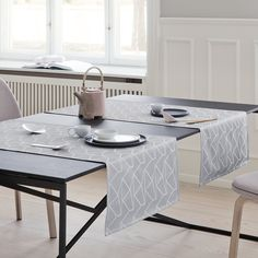 www.georgjensen-damask.com/arne-jacobsen-table-runners/