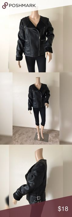 💫Black Moto Jacket 💫 💫 Gently loved💫 No flaws💫 Warm lined interior💫Size M💫 🛍Negotiable using  offer button🛍  No Trades  🏡Smoke and pet free home 🏡 Jackets & Coats