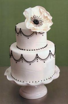 simple black & white cake   #feelbeautiful #whbm