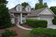2368 Sophie Place #Middleburg, #FL 32068  Home features a Form. living & dining rm; large master suite w/ his/hers walk-in closets; open floor plan with high ceilings; huge family room w/ gas FP, lots of character,. Home is in excellent cond. Includes an appliance warranty from Broward Factory Service for A/C, oven/range, refrig., dishwasher, disposal, hot water heater.