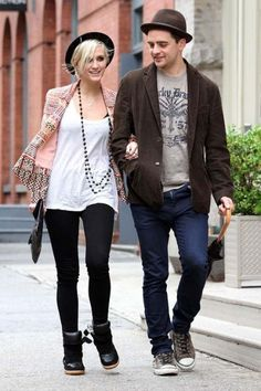 Ashlee Simpson rocking the wedged sneakers