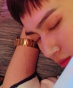 What's that red mark on his arm? Could someone explain me what is that! Yugyeom, Youngjae, Jaebum Got7, Got7 Jb, Girls Girls Girls, K Pop, Park Jinyoung, Jackson, Daddy