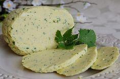 Veľkonočná hrudka Polish Recipes, Camembert Cheese, Pancakes, Food And Drink, Dairy, Breakfast, Breads, Morning Coffee, Bread Rolls