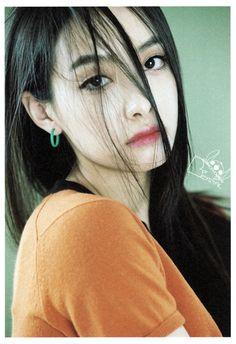 f(x) - Victoria 빅토리아 Sulli, Pop Crush, Song Qian, Victoria Song, Character Poses, Orange Fashion, Girl Bands, Girl Day, Krystal
