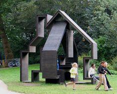 FOLLY Folly for the Noorderzonfestval Groningen (NL) Material: steel and multiplex Dimensions: B 400 x D 500 H 480Cm Constituent: CBK, Groningen Design: Gerard de Hoop Ward Huting