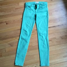 Current Elliot skinny jeans Like new, stretchy skinny jeans. Current/Elliott Jeans Skinny