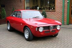 When you think Italians can't make an ugly car, you remember they also made Multipla. But let's focus on nice things.  1969 Alfa Romeo Giulia Sprint GTA. #alfaromeogta