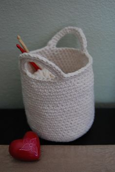crochet basket... Free pattern!