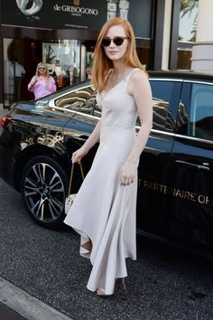jessica chastain (1200  1800) - One of our favorite gingers looking pretty in white