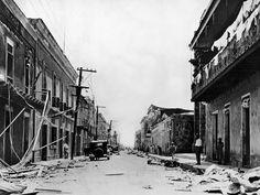 Como se veía una de las calles de la ciudad luego del ciclon San Zenon en el 1930