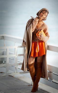 mini skater skirt in autumn outfit on GalantGirl.com