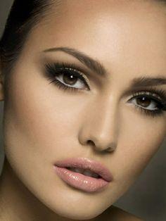 Full lashes + nude lip make up bridal Wedding Makeup Looks, Natural Wedding Makeup, Wedding Hair And Makeup, Natural Makeup, Bridal Makeup For Fair Skin, Love Makeup, Makeup Tips, Beauty Makeup, Hair Makeup