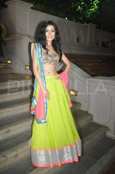 Amrita Rao at Smile Foundation's fashion show ***