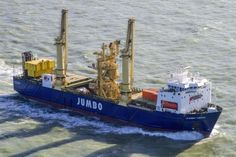 Jumbo Vision carries pipe laying ramp for Huisman