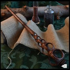 Wizard Staff, Wizard Wand, Magic Crafts, Welcome To Hogwarts, Harry Potter Wand, Wood Carving, Wands, Creations, Walking Sticks
